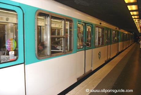 metro-paris-france