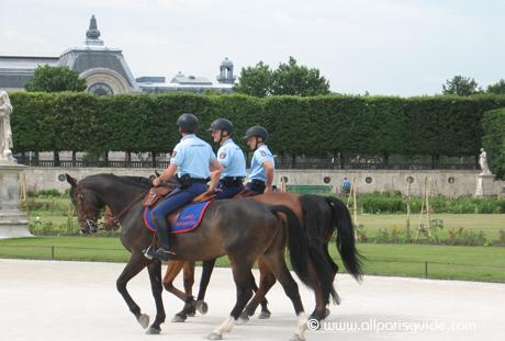 tuileries-gendarmerie