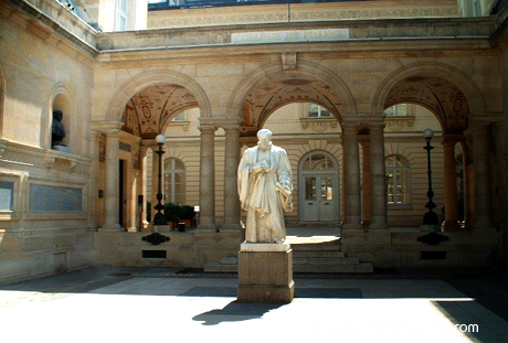 sorbonne-statue